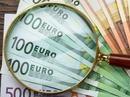 Живущих за рубежом более полугода россиян избавят от валютного контроля