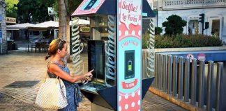 Обновиться или пропасть: телефонные будки просят о втором шансе