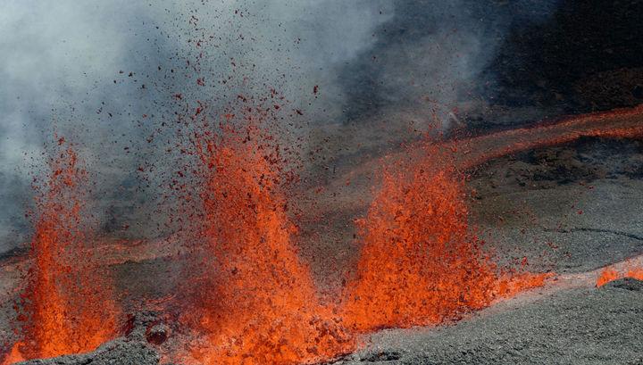 Геологи озвучили необычную причину извержения вулканов