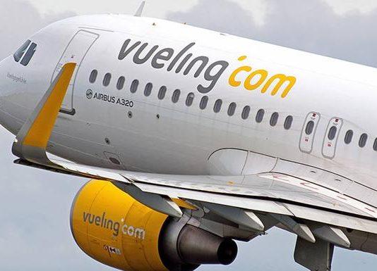 Профсоюзы предупреждают о возможной отмене летних рейсов Vueling