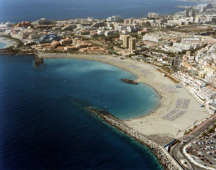 На пляже Лас-Вистас в Лос-Кристианос установят гигантский тент