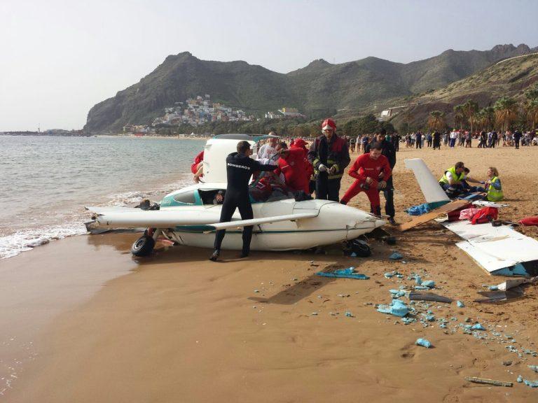 Легкомоторный самолёт экстренно сел на пляже Лас Тереситас