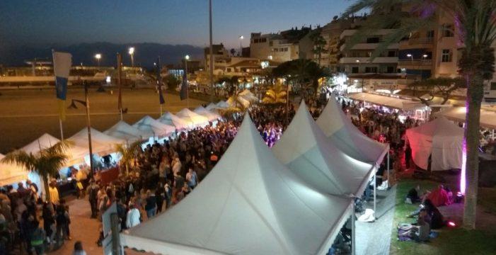 Первый фестиваль вина вЛос Кристиянос собрал более 15000 человек