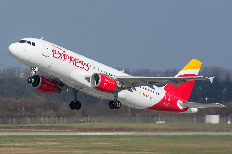 Iberia Express послучаю пятилетия предлагает скидки набилеты