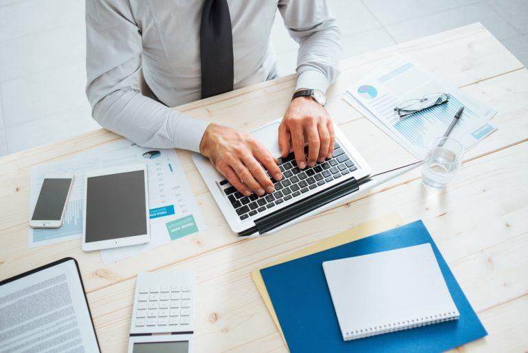 Индивидуальные предприниматели вИспании смогут работать иполучать 100% пенсии