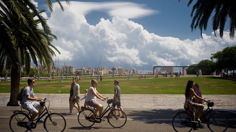 Власти Каталонии ждут снижения турпотока на10% доконца года