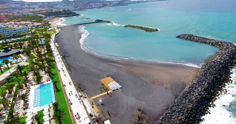 Власти Испании перечислили правила посещения пляжей