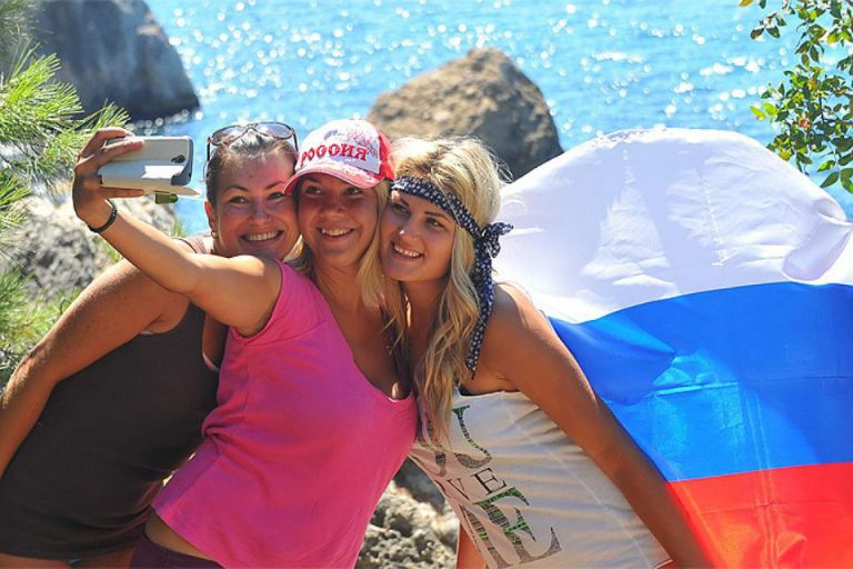 Три варианта развития туристического рынка в2021 году