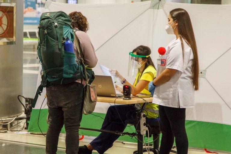 Требование опредъявлении теста наCOVID вКанарских аэропортах продлено до28февраля