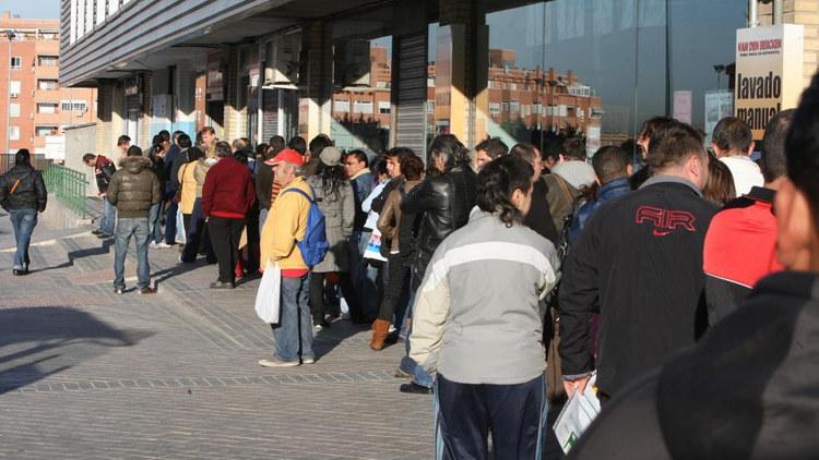 Испания получила кредит миллиард евро для борьбы сбезработицей